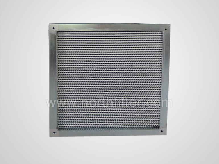 Flanged deep pleat hepa filter
